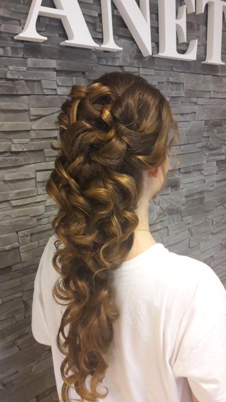 spolecensky uces pro dlouhe vlasy